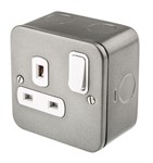 Deta Metal Clad 13A 1 Gang Double Pole Switched Socket
